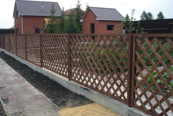 Декоративный деревянный забор-решетка