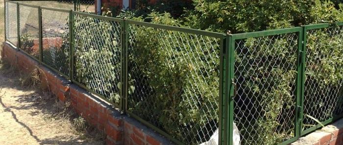 Забор из сетки для палисадника