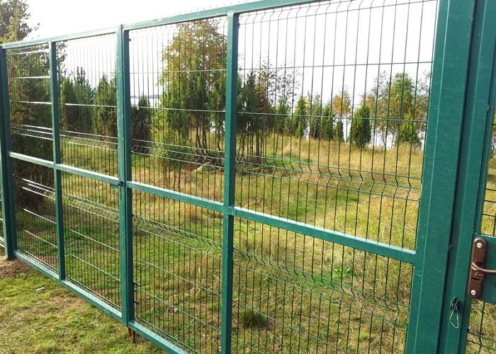 Ограда из металлической сетки