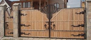 Ворота из древесины