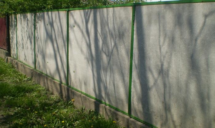 Ограда из плоского материала